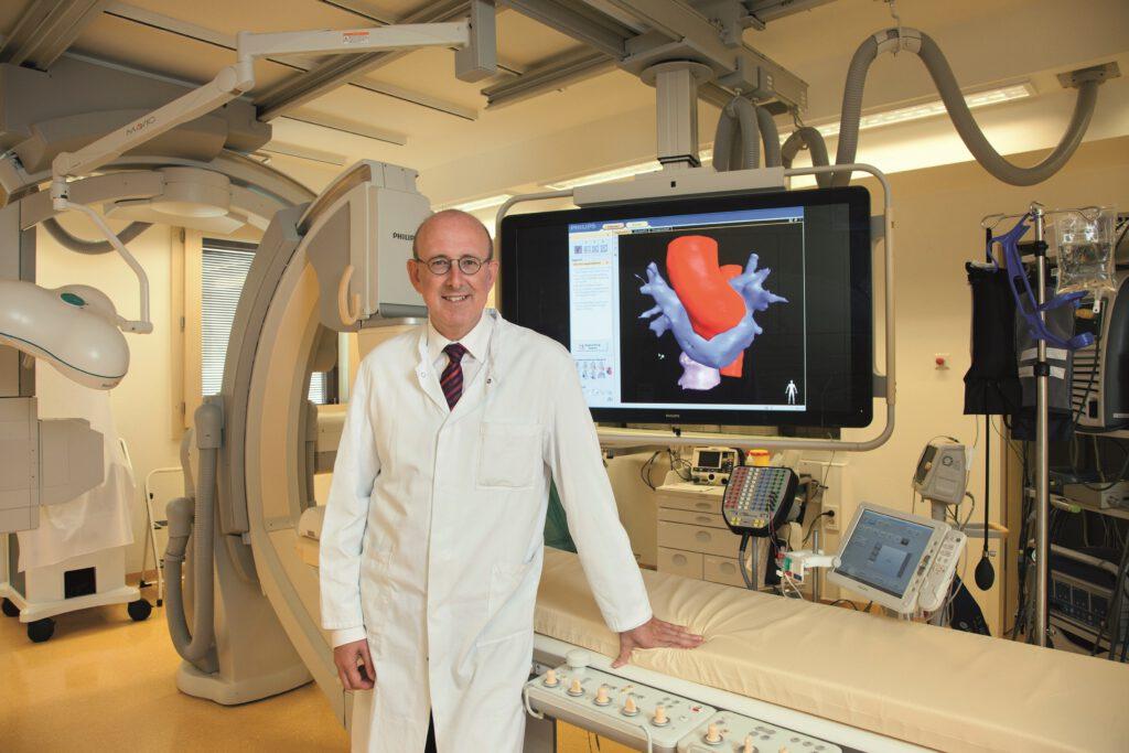 Prof. Dr. Andreas Götte im EPU-Labor der Medizinischen Klinik II des St. Vincenz-Krankenhauses Paderborn