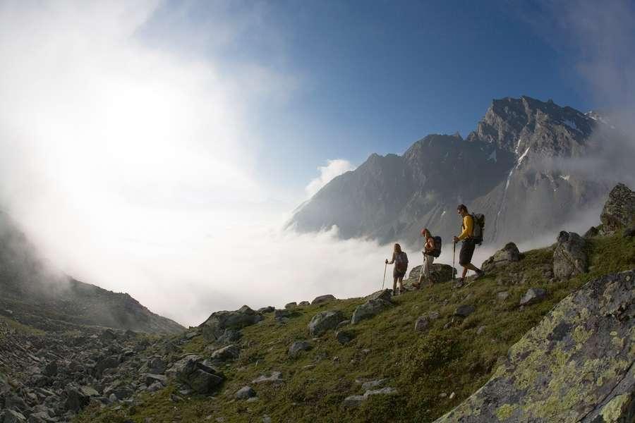 Wanderer auf Berggrad