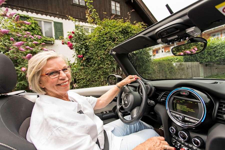 Seniorin im Caprio vor Abfahrt